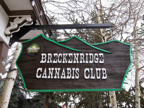 breckenridge cannabis club-sign