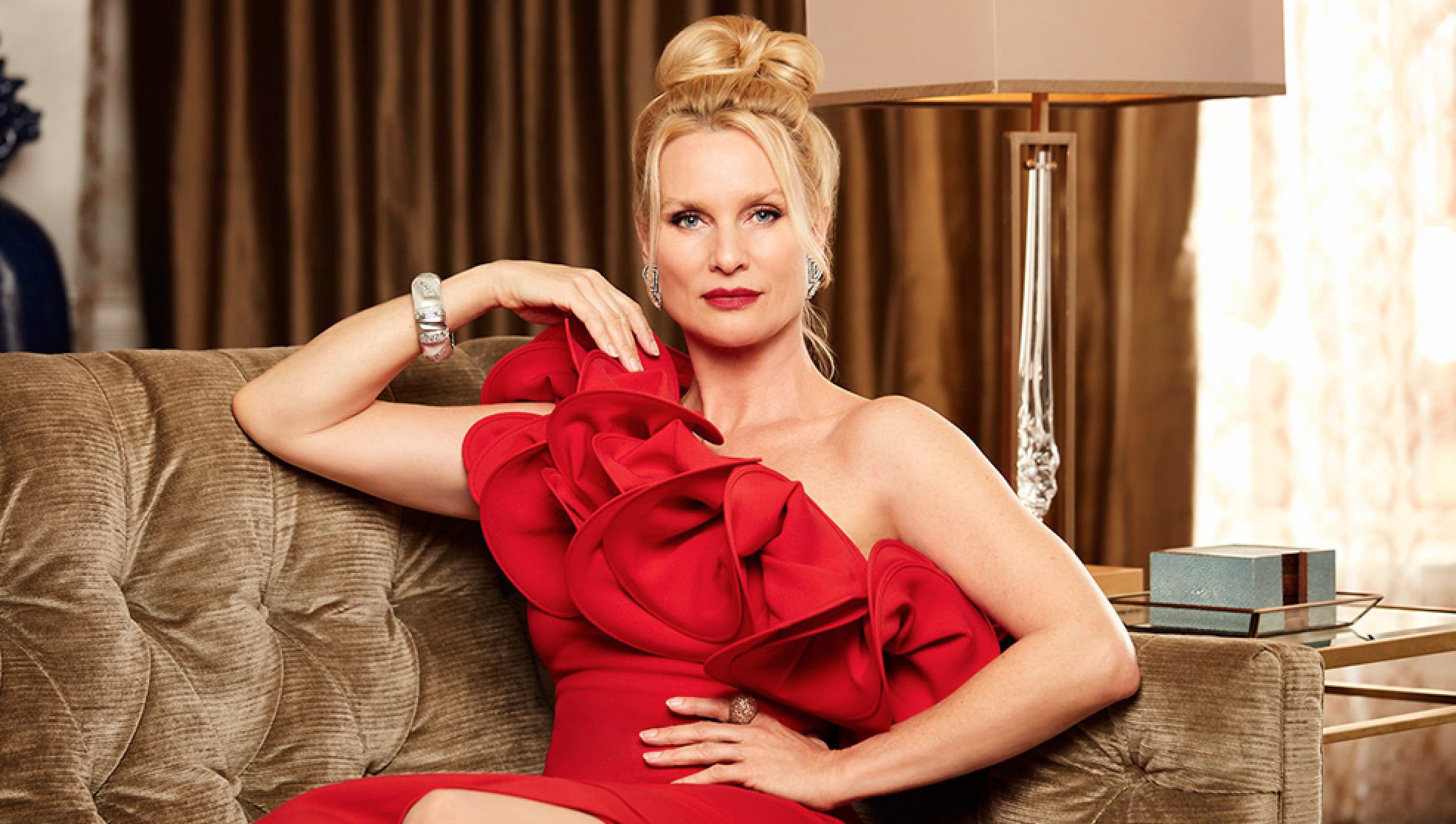 'Dynasty': Nicollette Sheridan To Play Alexis Carrington On The CW Reboot